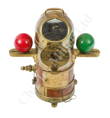 Lot 45-A GOOD 'FAITHFUL FREDDIE' TYPE SUBMARINE COMPASS, CIRCA 1910