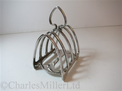 Lot 5-ANCHOR LINE: A TOAST RACK BY ELKINGTON PLATE, CIRCA 1925