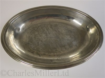 Lot 40-CUNARD: A PLATED VEGETABLE TUREEN AND COVER