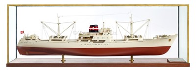 Lot 31-A BUILDER'S MODEL FOR THE M.S. ARABIAN REEFER, BUILT BY AALBORG VÆRFT  FOR REDERIET J. LAURITZEN, COPENHAGEN, 1957
