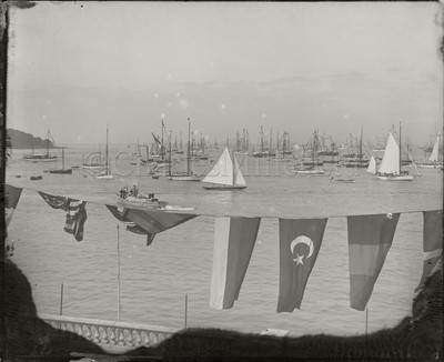 Lot 30 - A COLLECTION OF 10 x 12in. PHOTOGRAPHIC GLASS NEGATIVES ATTRIBUTED TO KIRK OF COWES CIRCA 1910