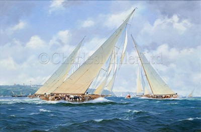 Lot 33 - DAVID BRACKMAN (BRITISH, 1932-2008) : 'White Heather' off Cowes, Isle of Wight, circa 1910