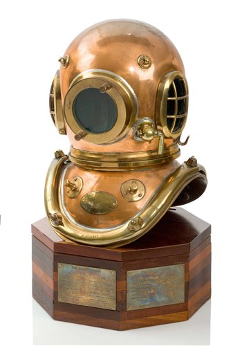 Lot 195-THE DIVER OF THE YEAR TROPHY<br/>comprising a...
