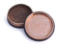 Lot 86 - AN EARLY 19TH-CENTURY GOLD-LINED SNUFF BOX...